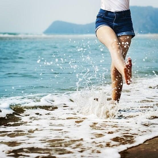 barefoot-555x555_flipped